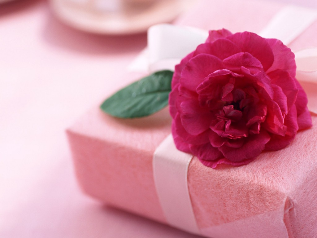 Что лучше всего подарить любимой?