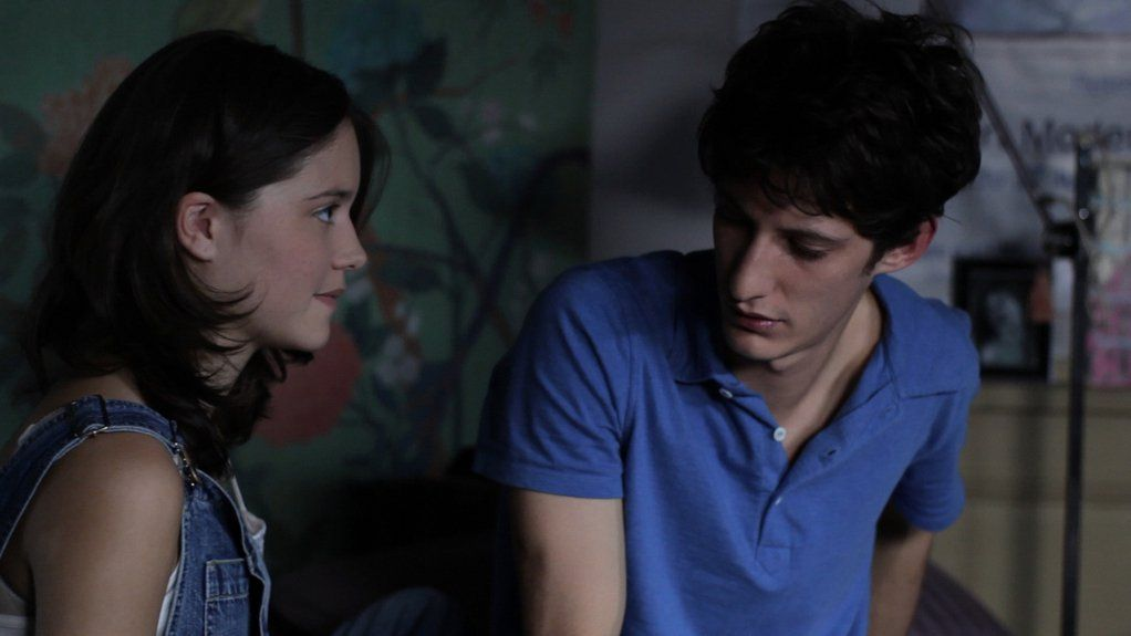Как узнать парню, нравится ли он девушке? Как понять, любит ли она?