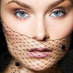 Свадебный макияж для брюнеток с зелеными и серыми глазами