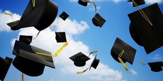 Как получить высшее образование за границей?