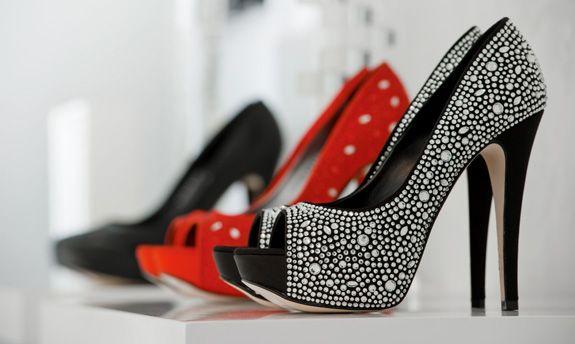Разные модели женских туфель