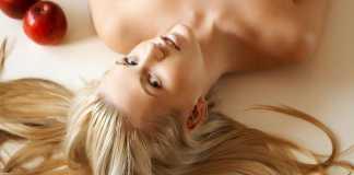 Как правильно осветлить волосы в домашних условиях?