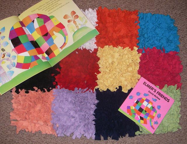 Детский коврик из цветных лоскутков