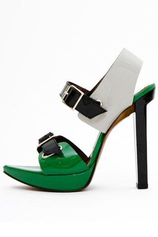 Необычная женская обувь (38 Фото) 2