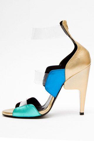 Необычная женская обувь (38 Фото) 6