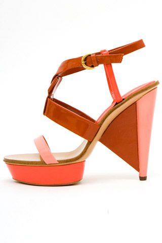 Необычная женская обувь (38 Фото) 11