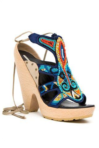Необычная женская обувь (38 Фото) 12