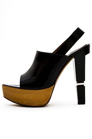 Необычная женская обувь (38 Фото) 13