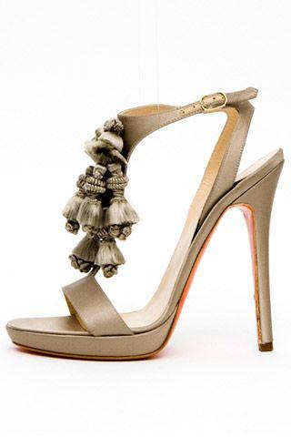 Необычная женская обувь (38 Фото) 16