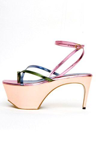 Необычная женская обувь (38 Фото) 17