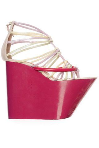 Необычная женская обувь (38 Фото) 19