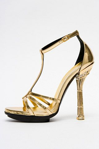 Необычная женская обувь (38 Фото) 21
