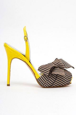 Необычная женская обувь (38 Фото) 22