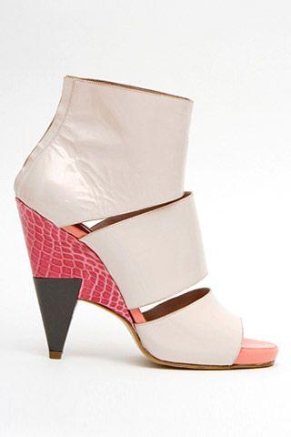 Необычная женская обувь (38 Фото) 26