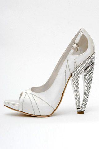Необычная женская обувь (38 Фото) 27