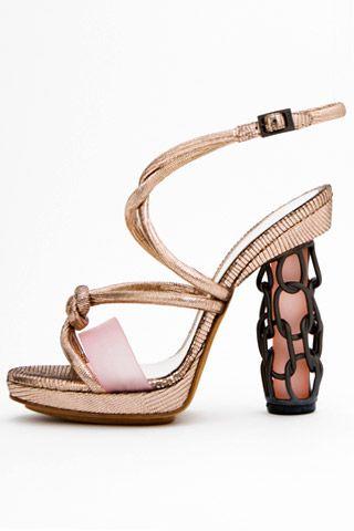 Необычная женская обувь (38 Фото) 32
