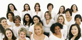 много женщин