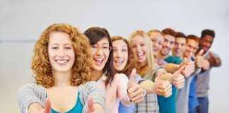 Как правильно приподнести комплимент девушке:  Три простых правила комплимента