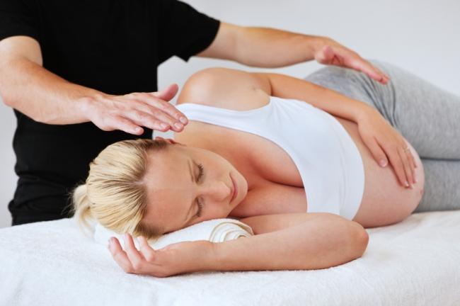 Массаж спины при беременности