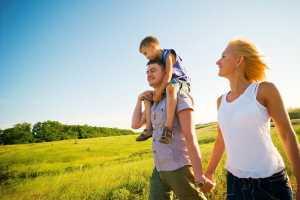 отдых семьей на природе