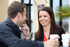 На что парни и девушки обращают внимание при знакомстве?
