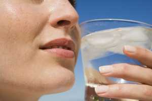 Нехватка воды может стать причиной прибавки веса