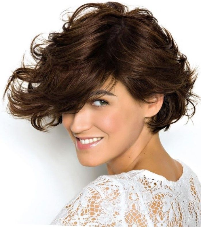 Правила стрижки для волнистых волос