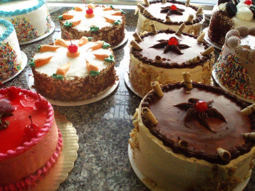 Торты, печенье и кондитерские изделия